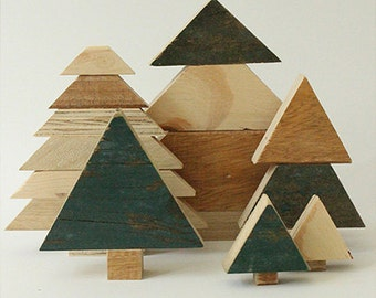 Set of Christmas trees made of demolition wood/recycled wood