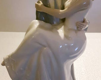 "The Leonardo Collection Bride & Groom 10"" Porcelain Figure"