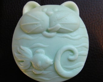 Fat Cat And Fish Soap , Moisturizing, Shea Butter, Mango Butter , Cocoa Butter ,Detergent Free, For Shower or Tub,  3.5 oz
