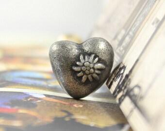 Metal Buttons - Edelweiss Heart Antique Silver Metal Shank Buttons - 0.55 inch - 6 pcs