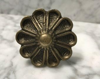 Antique Brass Metal Flower Knob Dresser Drawer or Cabinet Hardware, Floral Pull, Knobs & Fixtures, Item #611451871