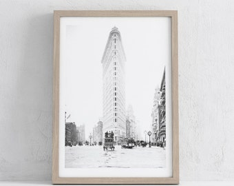 Download of vintage cityscape picture of New York, printable art, black and white art, wall prints , photograph, print, printables