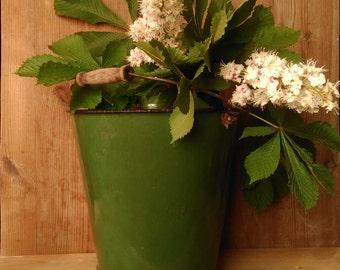 Vintage bucket,green old pail,vintage tin bucket,large tin can,metal bucket,retro tin pail,kitcher dekor