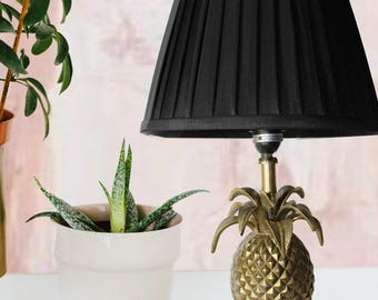 Gold Pineapple Table Lamp, Traditional Brass Shade, Hollywood Regency  Trend, Midcentury Table Lamps