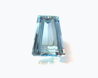 Aquamarine Natural Loose Gemstone Faceted Tapered Step Cut 4.87 carats Aqua Blue Beryl mineral Jewelry Supplies For Custom Jewelry