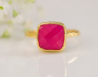 40 0FF - Fuchsia Pink Chalcedony Ring - Gemstone Ring - Stacking Ring - Gold Plated - Cushion Cut Ring