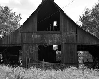 Old Red Barn (black and white)
