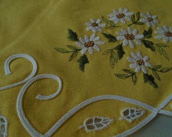 lemon embroidered daisies tray cloth