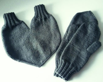 Lovers gloves. Gloves for two. Hand knit mittens. Lovers mittens. Couple gloves. Valentine day gift.