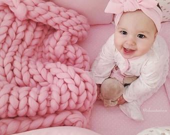 Baby Blanket. Chunky Baby Blanket. Throw blanket. Knit throw. Baby Shower. Baby Girl Blanket. Knit Baby Blanket. Chunky Baby Blanket.