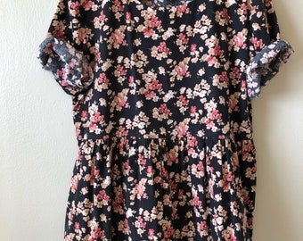 90s floral print babydoll dress or tunic • couch floral print • oversized raw hem • women's size M • vintage clothing