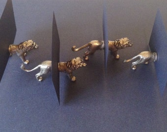 25 Animal magnet place card holders
