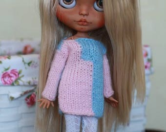 A knitted sweater for 1/6 custom Blythe doll outfit Blythe doll clothes Handmade for custom doll