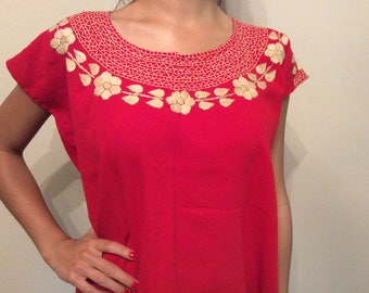 Embroidered red floral top, Mexican top, Blusa bordada, Embroidery blouse, Mexican  embroidery