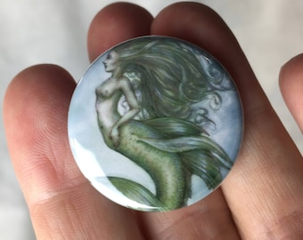 Button.....Green mermaid