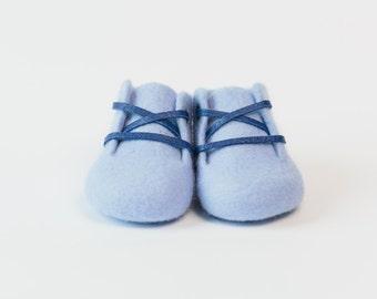 Ami Peluche.BIG SALE!!!! Handmade Merino Wool baby booties. Light blue soft merino wool