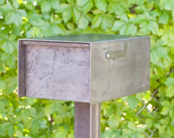 The Barton Mailbox - Steel Modern Metal Letter Box
