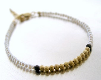 Delicate bracelet with vermeil stardust beads and natural pearls, extender chain
