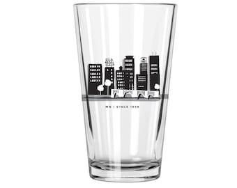 Minneapolis Skyline Pint Glass