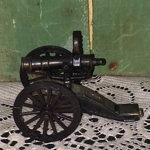 Antique Finished Die Cast Metal Cannon Pencil Sharpener; Collectible Die Cast Metal; Military Cannon Pencil Sharpener