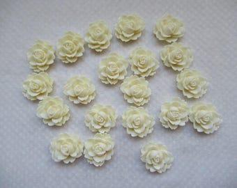 CAMEES FLEURS  BLANCHES  lot de 20 unités en résine 2 cm couleur blanc cassé s   a coller sur tous supports pour créations