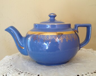 Vintage Hall teapot 6 Cup Dresden Blue with a gold band  Art Deco trim-Made in USA