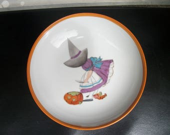 soup plate / girl / handpainted porcelain / Halloween