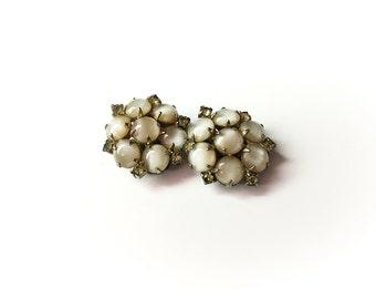 Cabachon earrings, 1950s earrings, 50s earrings, cluster earring, clip on earring,  moonstone earrings,  green citrine earrings