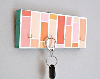 Key hanger: orange pink mosaic pattern