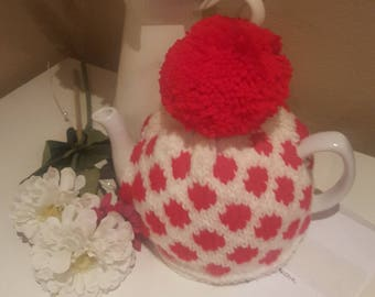 Knitted Tea Cosy, handmade tea cozy, teapot cover, tea cosy, housewarming gift, kitchen accessory, tea cozy, spots, teapot cozy,