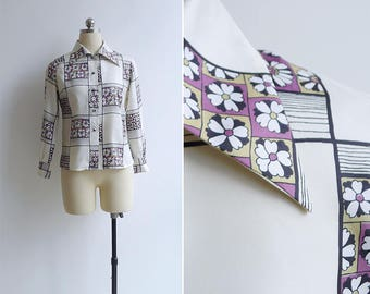 Vintage 70's 'Flower Power' Kitschy Mod Silky Collared Shirt XS or S