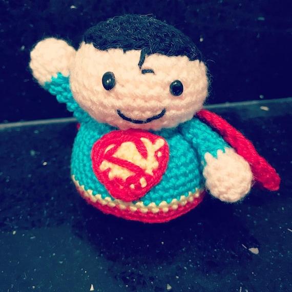 Superman Amigurumi Häkelanleitung