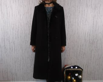 Vtg Windsmoor 90's Chocolate Wool coat with foux fur colar