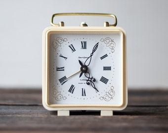 Working Vintage Alarm Clock Jantar from The USSR, Soviet Mechanical Clock