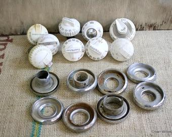 Vintage Oven Knobs - Supplies - Robertshaw - Wilcolator - Plastic Stove Knobs