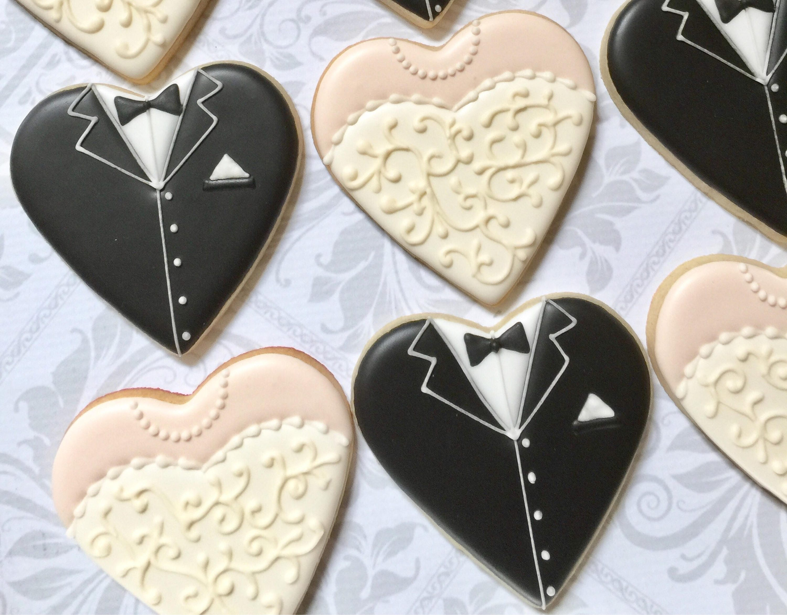 Wedding Favors Heart shaped bride and groom Cookies One