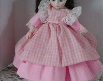 "Vintage Madame Alexander Doll 8"" 1976 great Condition"