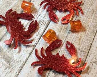Sparkly Red Crab and Beer Mug Confetti Lucite Style Novelty Brooch. Nautical, Maryland, Ocean, Mermaid, Pinup, Happy Hour