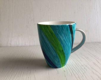 17 - Big turquoise curvy striped mug