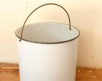 Large Enamel Ware Bucket Vintage Milk Pail White Enamel Bucket Rustic Decor Dairy Farm Vintage Enamelware