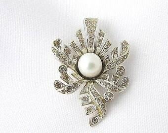 Pendant silver vintage art deco rhinestone and Pearl White.