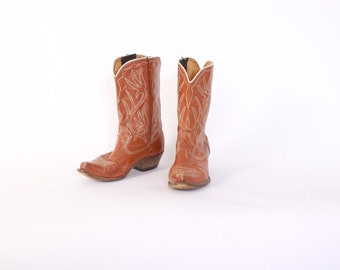Vintage 60s Acme COWGIRL BOOTS / 1960s Golden Brown Leather Cowboy Boots with Green Stitching 5 1/2 - 6