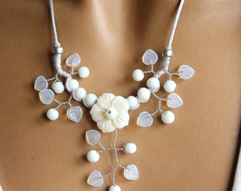 White Flower necklace Pearl