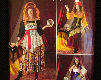 Misses sewing pattern for Gypsy blouse, skirt, tunic, turban, shawl, headband.  Simplicity pattern #0423