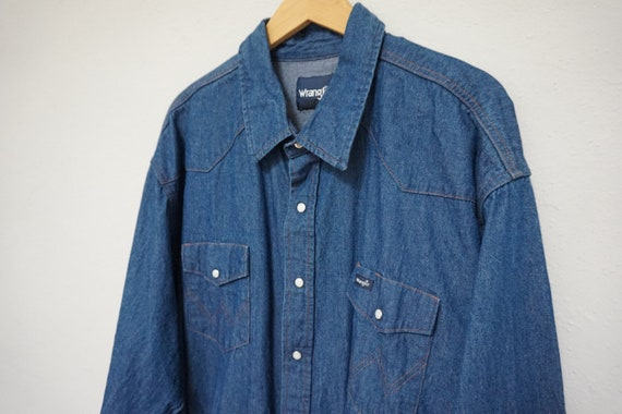 pearl snap mens country western blue denim wrangler button up long sleeve chambray preppy hipster kitsch indie nice classy men shirt XL 80s