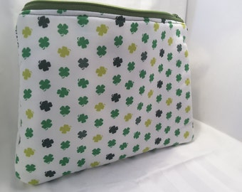 white irish clover bag, white irish clover clutch, clover handbag
