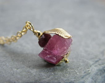 Natural ruby necklace ~ July birthstone ~ Crystal necklace ruby ~ 40th anniversary gift ~ Ruby necklace ~ Ruby anniversary ~ Yellow gold ~