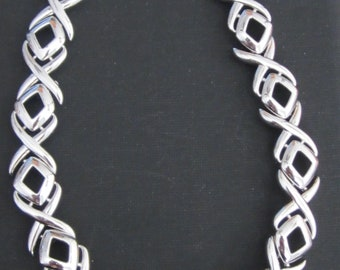 Vintage 80's X's and O's Necklace Cosume SilverTone