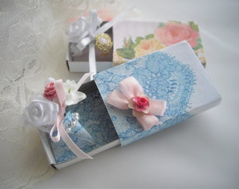 Gift Box Unique Memento Petite Bouquet Engagement Wedding Anniversary Prom Any Special Occasion You Would Like Your Recipient To Remember