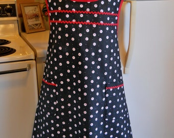 Old Fashioned Plus Size Full Apron in Black and Red Size 3XL